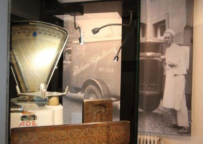 Museum Voswinckelshof - Backen - Waage und Lieferwagen - fotografiert von Martin Büttner